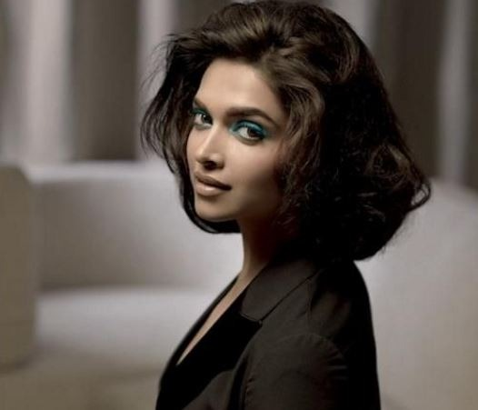 Top 10 Bollywood Actresses Spotted In Short Haircuts ...