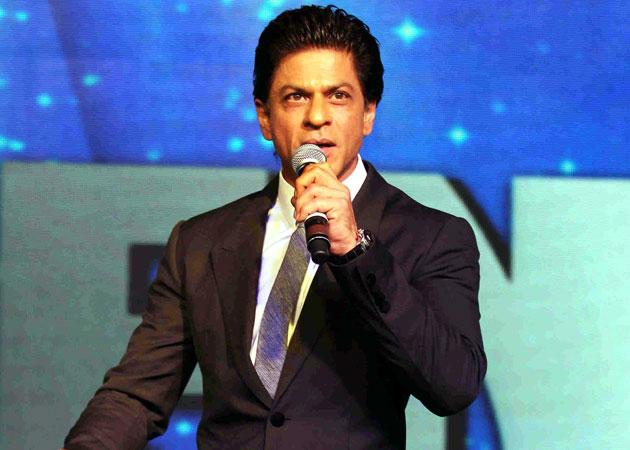 Image result for shahrukh khan hosting award show