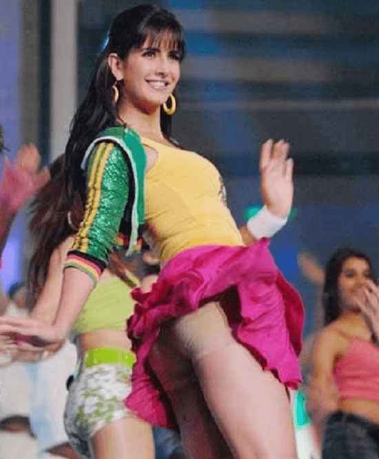 Bollywood Actress Wardrobe Malfunction Pics: Some Funny And Interesting Oops Moments Of B Town