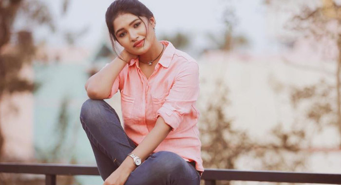 Tamil Television Actresses Shining Bright| List Of 10