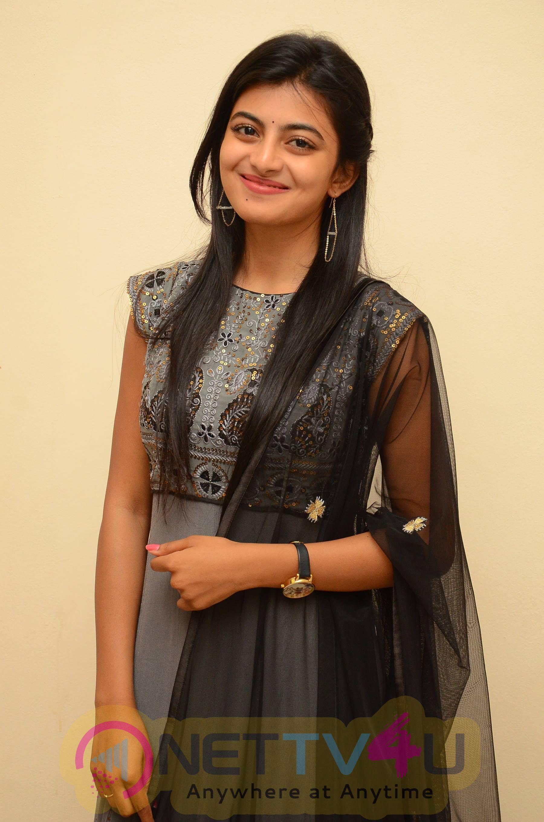 Rakshitha Cute Images At Tholi Premalo Platinum Disc Function Telugu Gallery