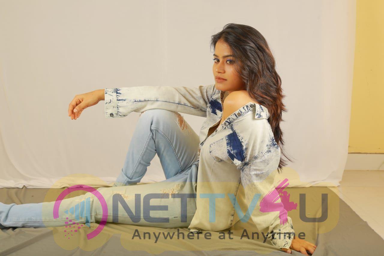 Actress Riyamikka Lovely Images Telugu Gallery