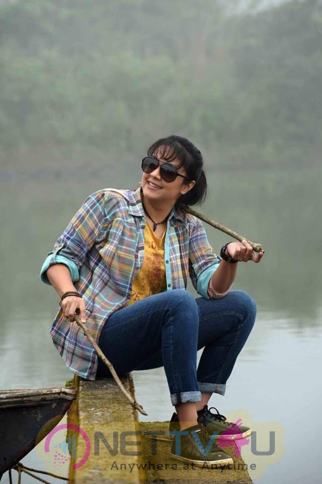 Magalir Mattum Movie Actress Jyothika New Photos Tamil Gallery