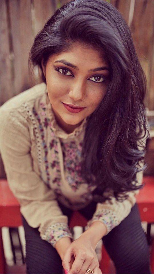Actress Samyukta Hornad Charming Photos Kannada Gallery