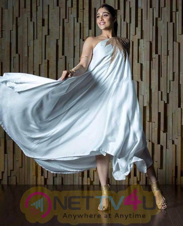 Pretty Photos Of South Actress Regina Cassandra Telugu Gallery