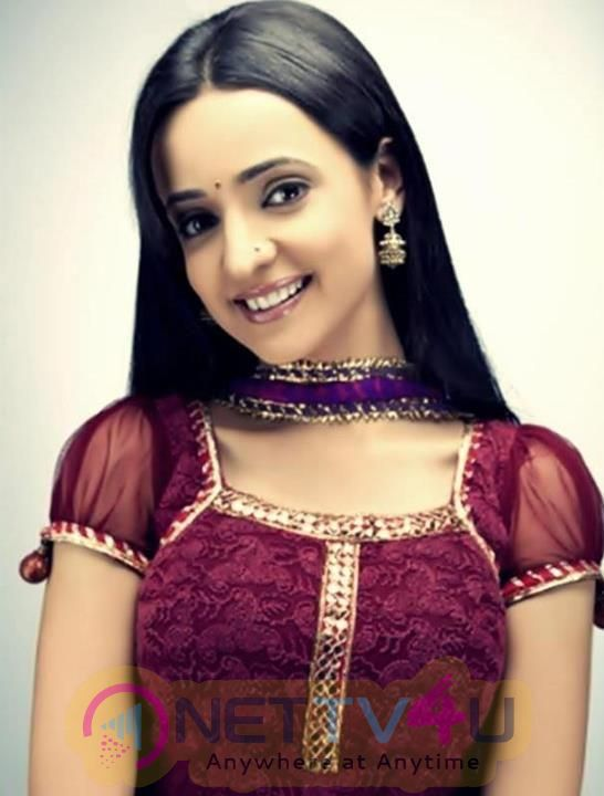 Actress Sanaya Irani Lovely Stills Hindi Gallery