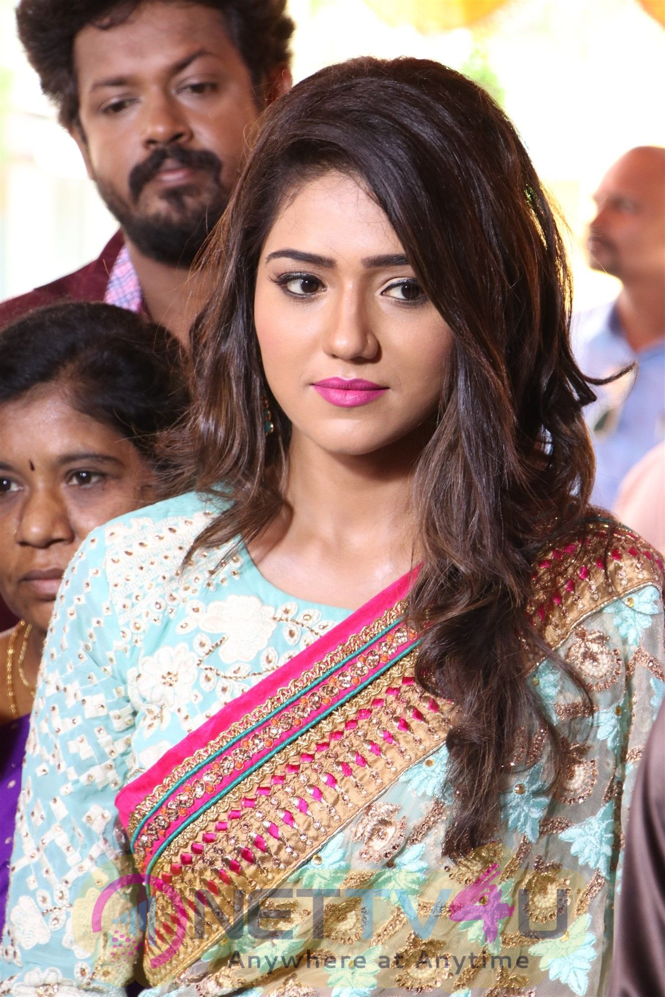 Actress Shalu Angelic Images Tamil Gallery