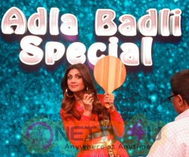 Farah Khan With Shilpa Shetty On The Sets Of Super Dancer 2 Pics