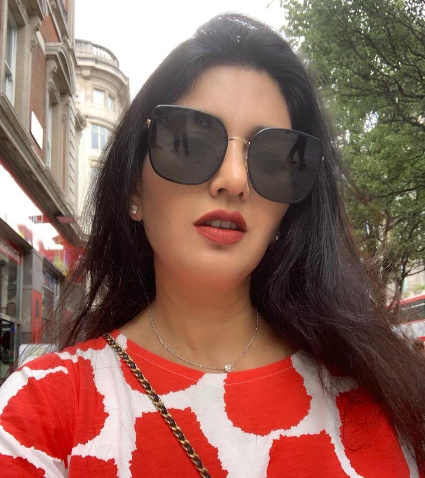 Actress Deepti Bhatnagar Lovely Stills Kannada Gallery