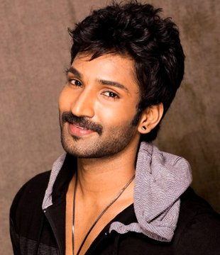 Aadhi Pinisetty Tamil Actor