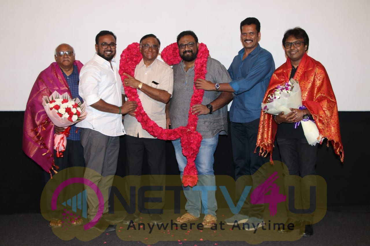 Viswasam Movie Distributors Honor Siva And Thyagarajan For Super Hit Success Stills Tamil Gallery