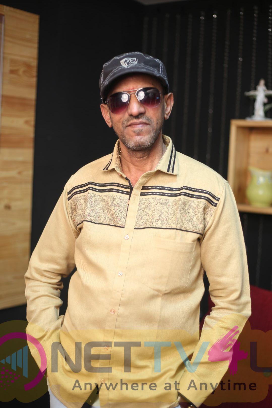 Actor Vaiyapuri Exclusive Interview Images Tamil Gallery