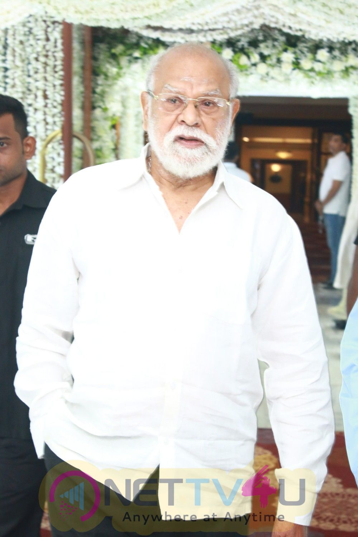 Celebrities At Padmashri Sridevi Kapoor Prayer Meeting Photos Tamil Gallery