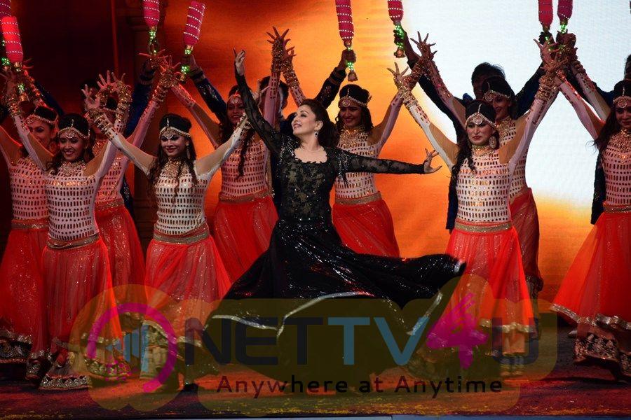 Opening Ceremony Of T 20 Mumbai Cricket League Images Hindi Gallery