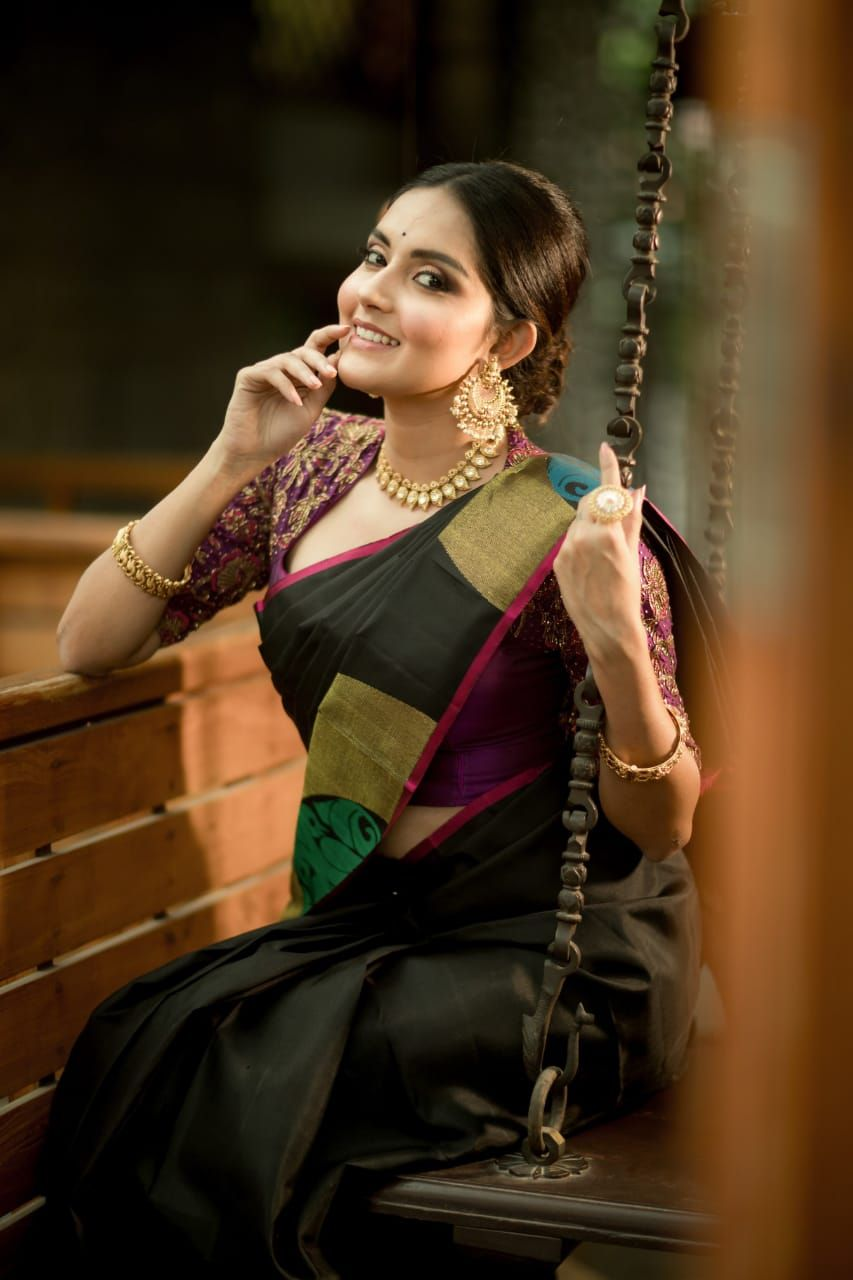 Actress Mahima Nambiar Beautiful Stills Tamil Gallery