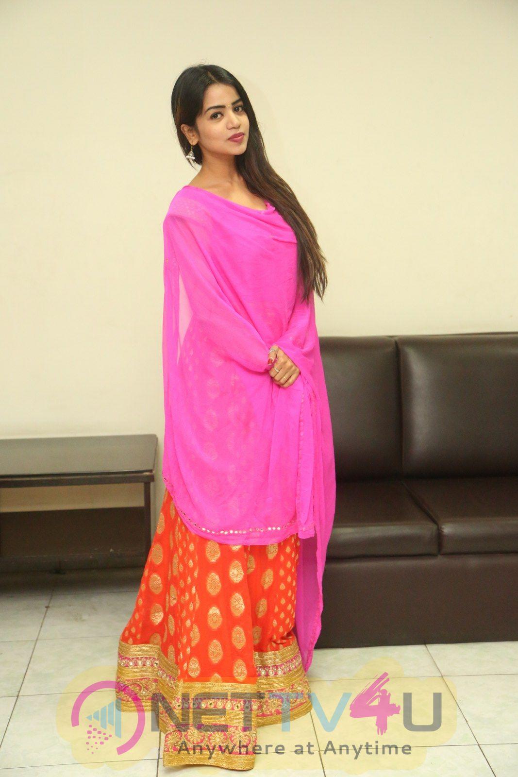 Actress Bhavya Sree Lovely Images Telugu Gallery