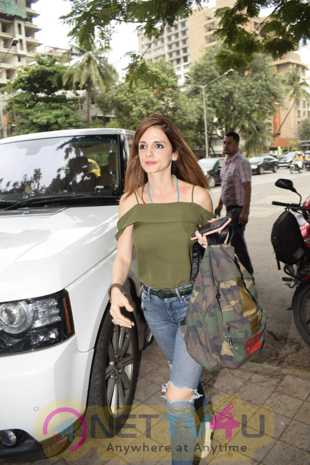 Suzanne Khan Spotted At Kromakay Salon In Juhu Stills Hindi Gallery