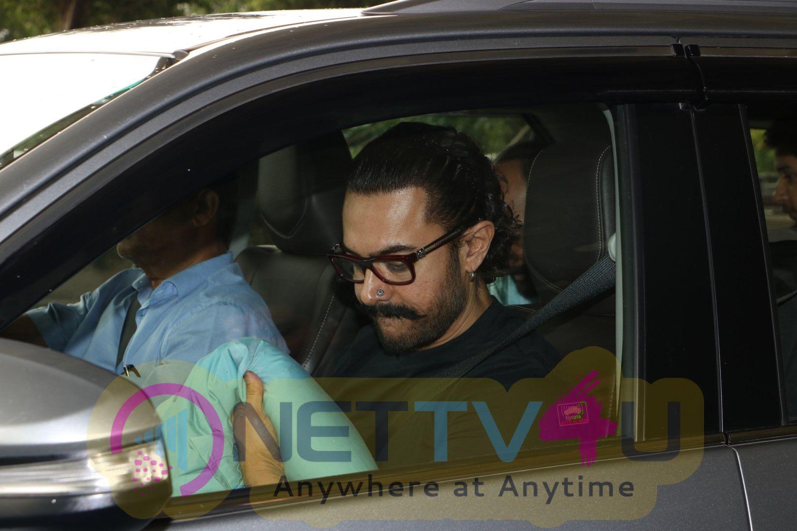 Aamir Khan Spotted At Airport Pics Hindi Gallery