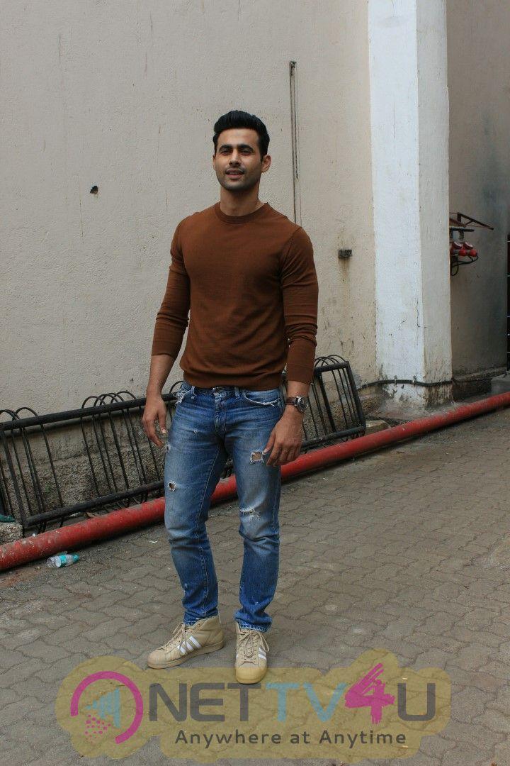 Freddy Daruwala Spotted At Mehboob Studio Bandra Images Hindi Gallery