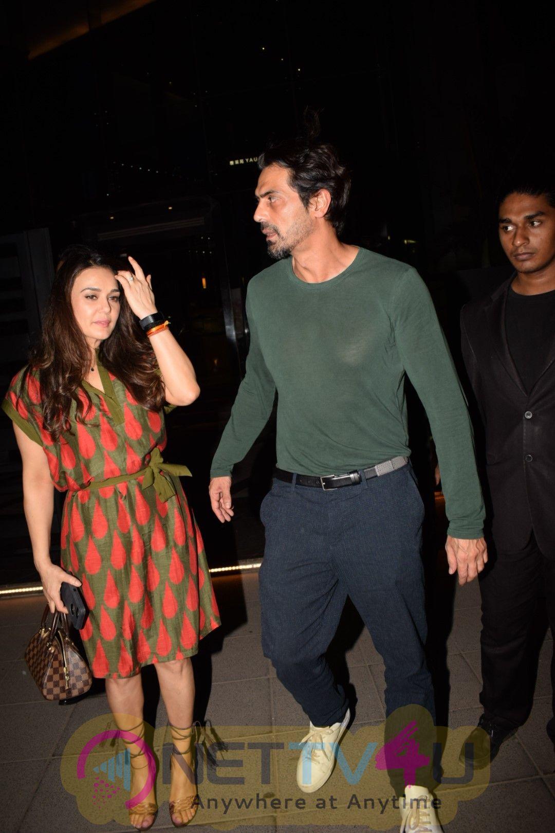 Preity Zinta & Arjun Rampal Came To Yautcha Bkc Hindi Gallery