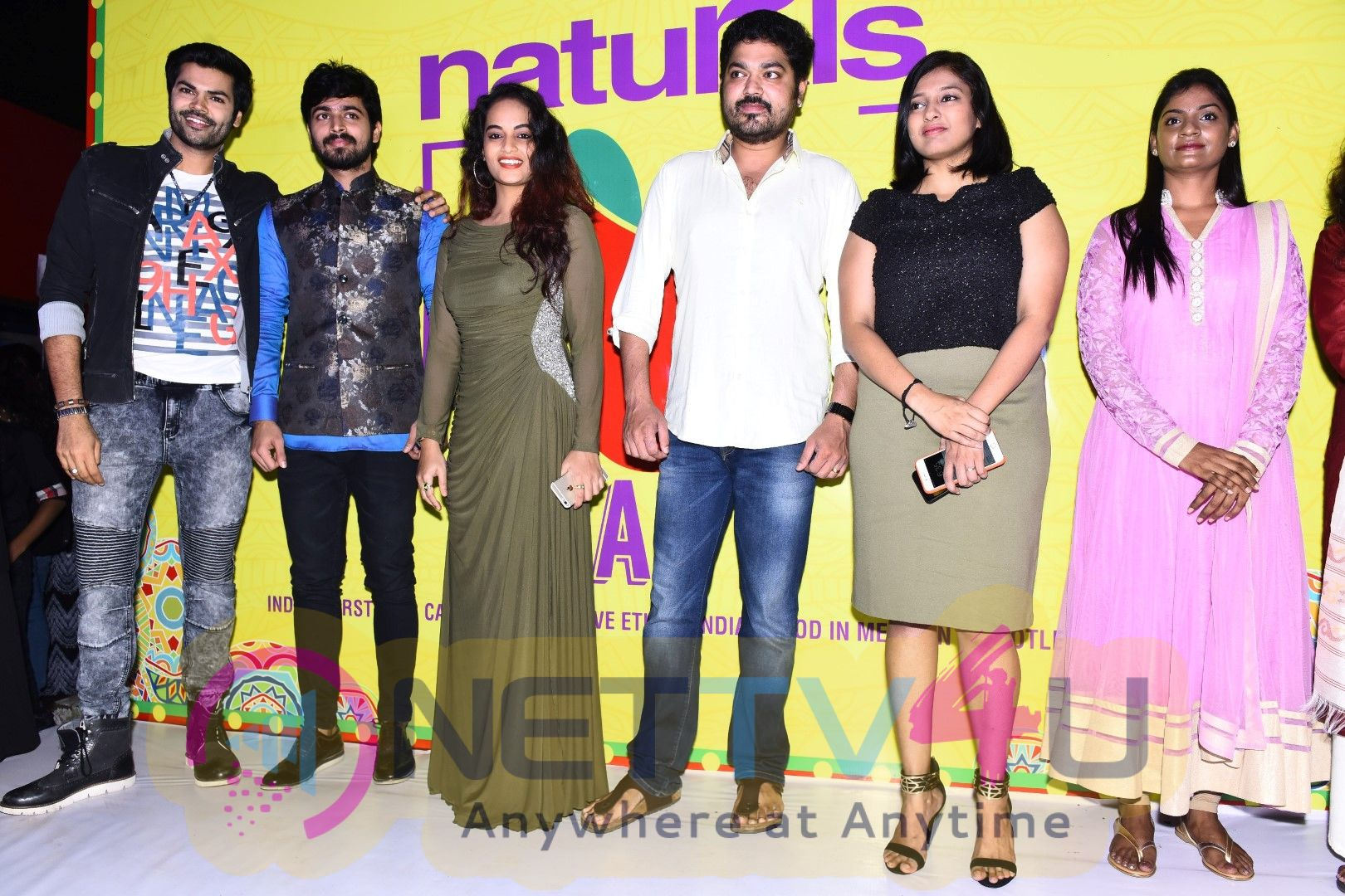 Bigg Boss Contestants Launched Naturals B Cafe Pics Tamil Gallery