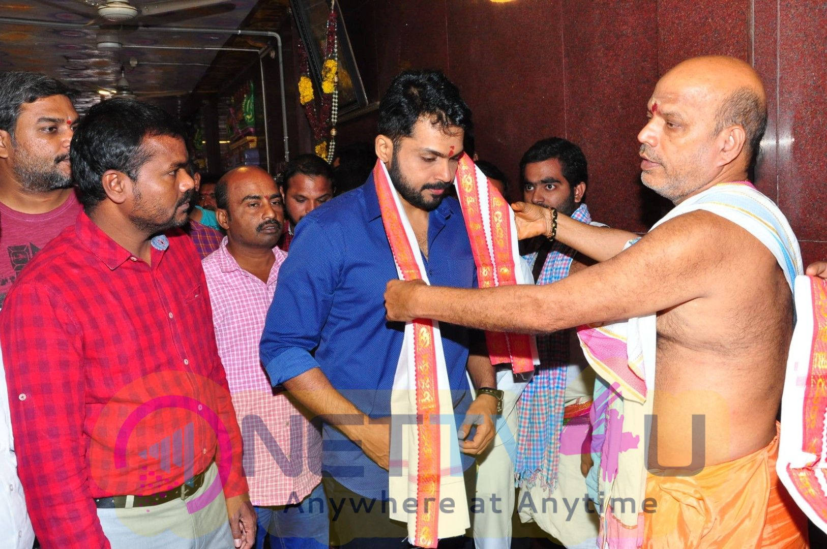 Chinababu Movie Team At Vijayawada Kanakadurga Temple Cute Images Telugu Gallery