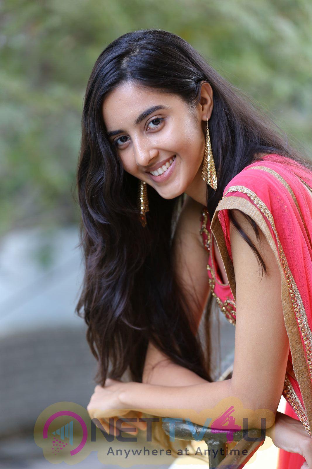 Actress Simrath Good Looking Photos Telugu Gallery