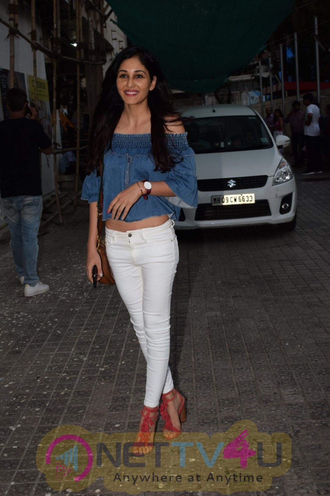 Pooja Chopra Came To PVR Hindi Gallery