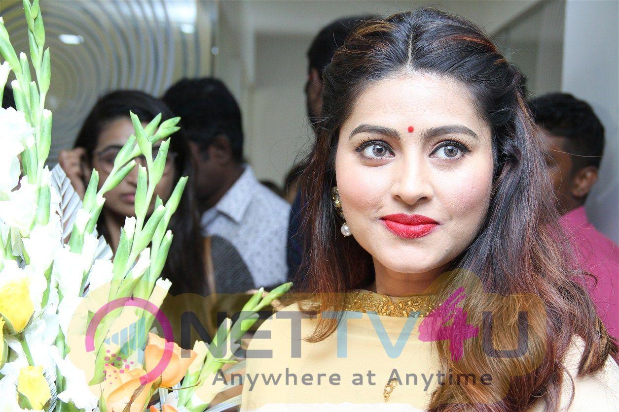Actress Sneha Angelic Stills Tamil Gallery