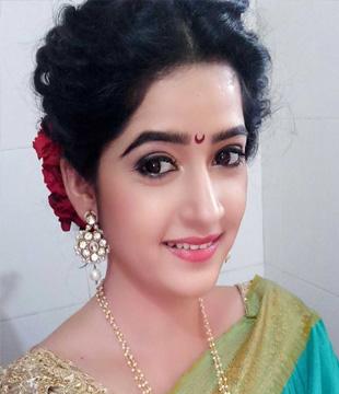 Shubhangi Latkar Actress Biography Photos Images pics Age Wiki