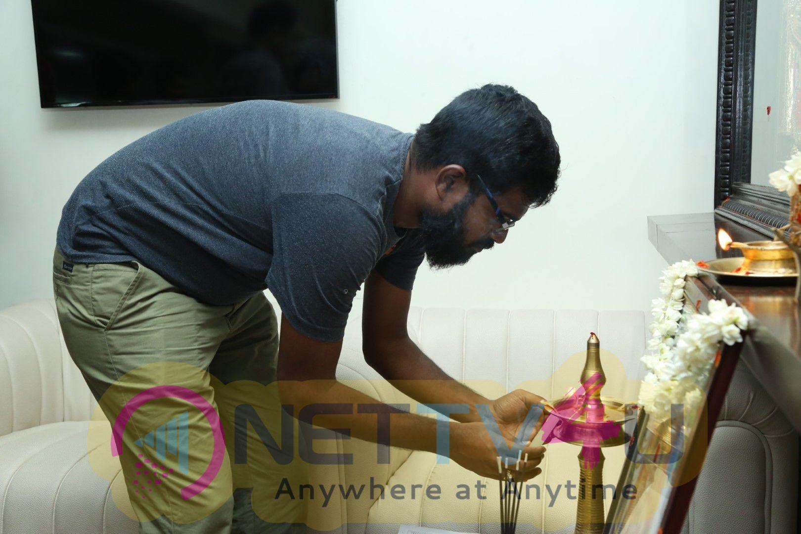 Pallu Padama Paathuka Movie Dubbing Pooja Photos In Knack Studios Images Tamil Gallery