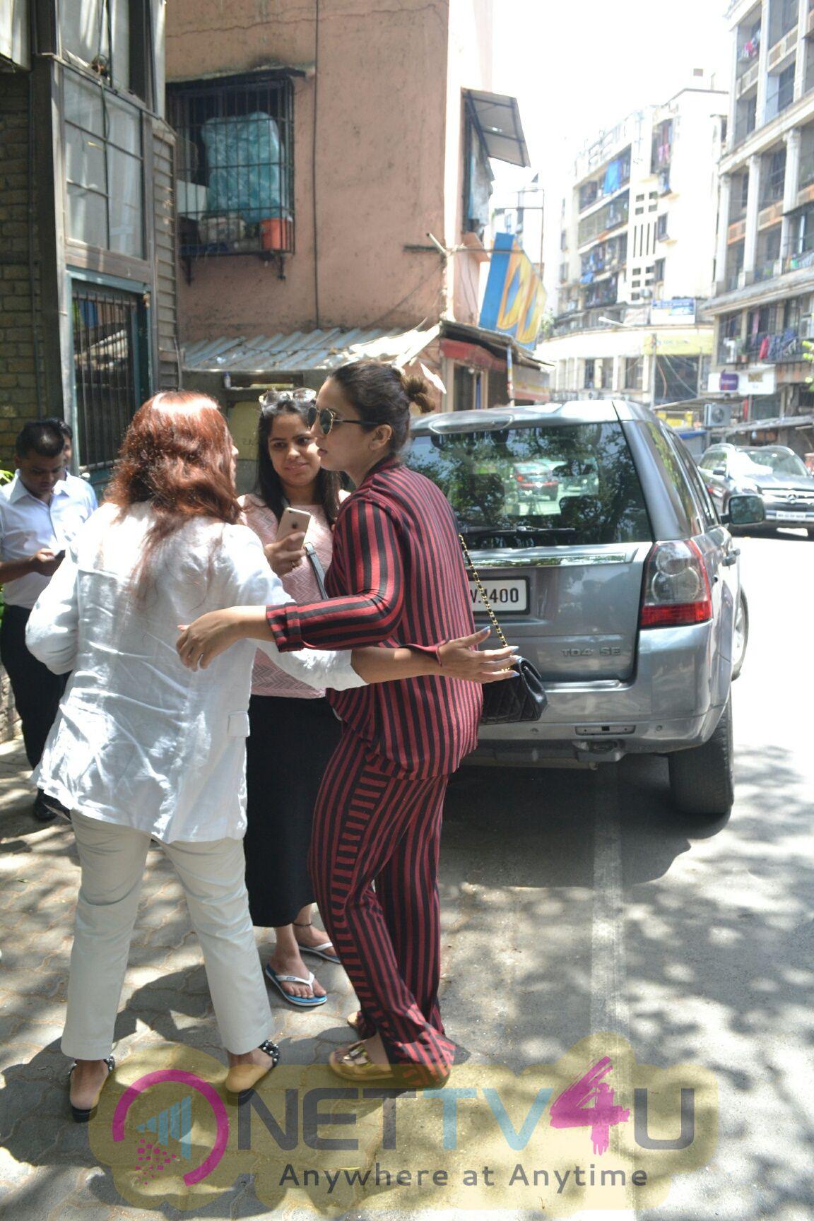 Huma Qureshi Came On Bandra Hindi Gallery