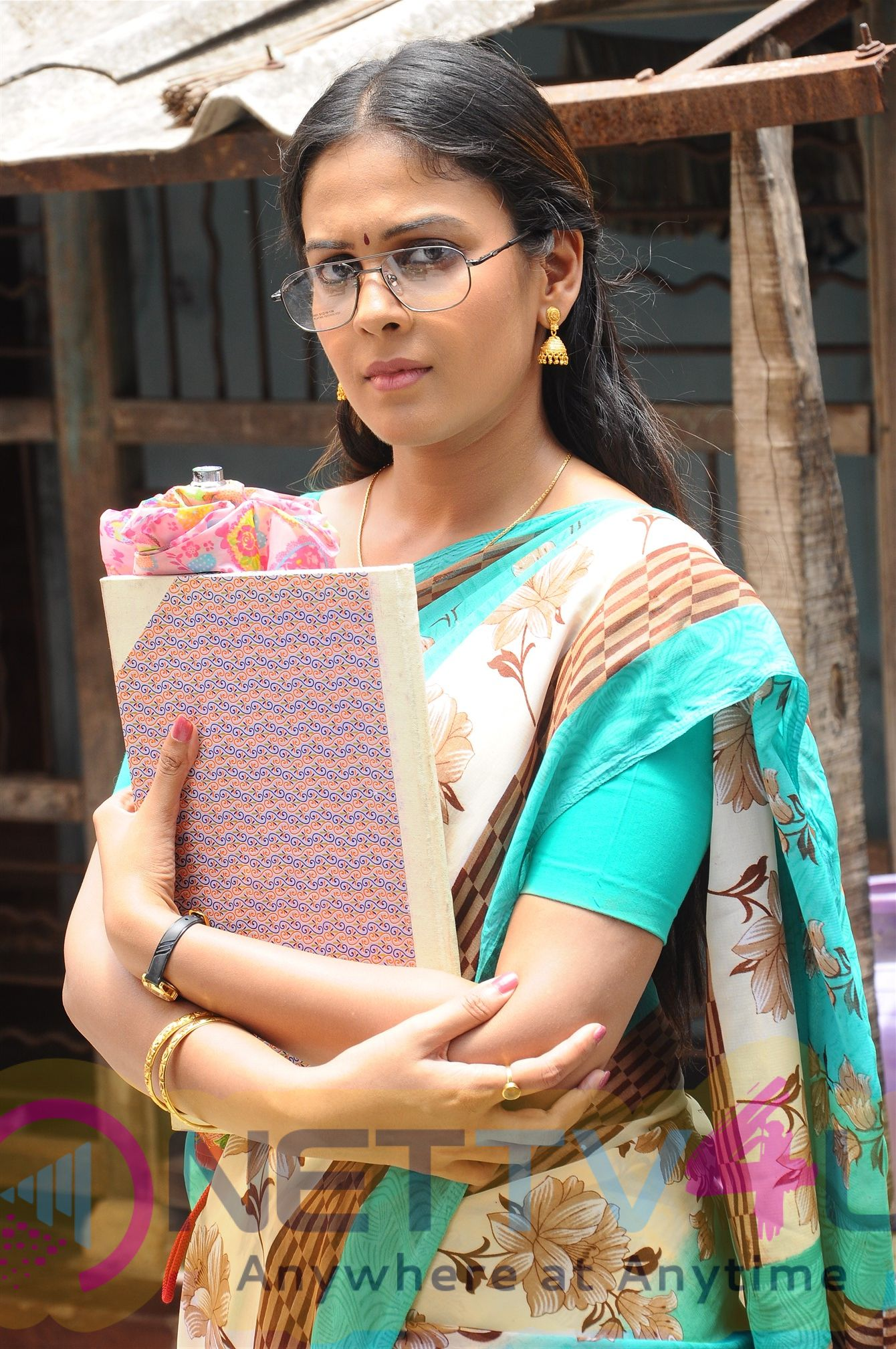 Kadhal Munnetra Kazhagam Movie Stills Tamil Gallery