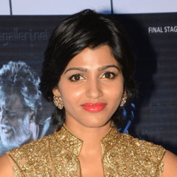 Sai Dhanshika Tamil Actress