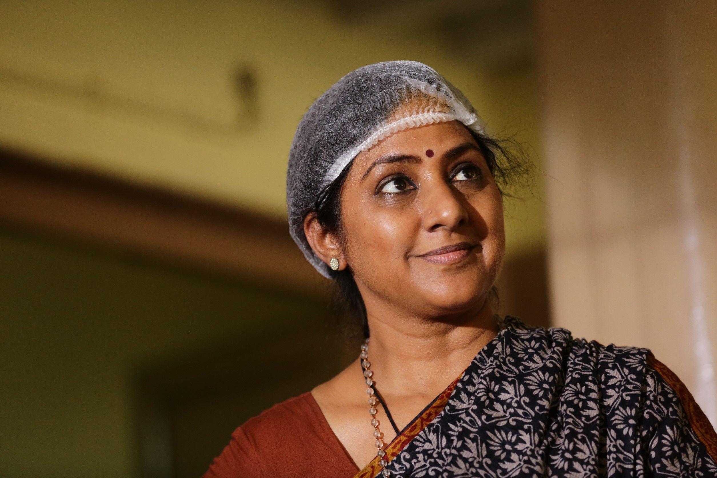 Market Raja MBBS Movie Stills Tamil Gallery