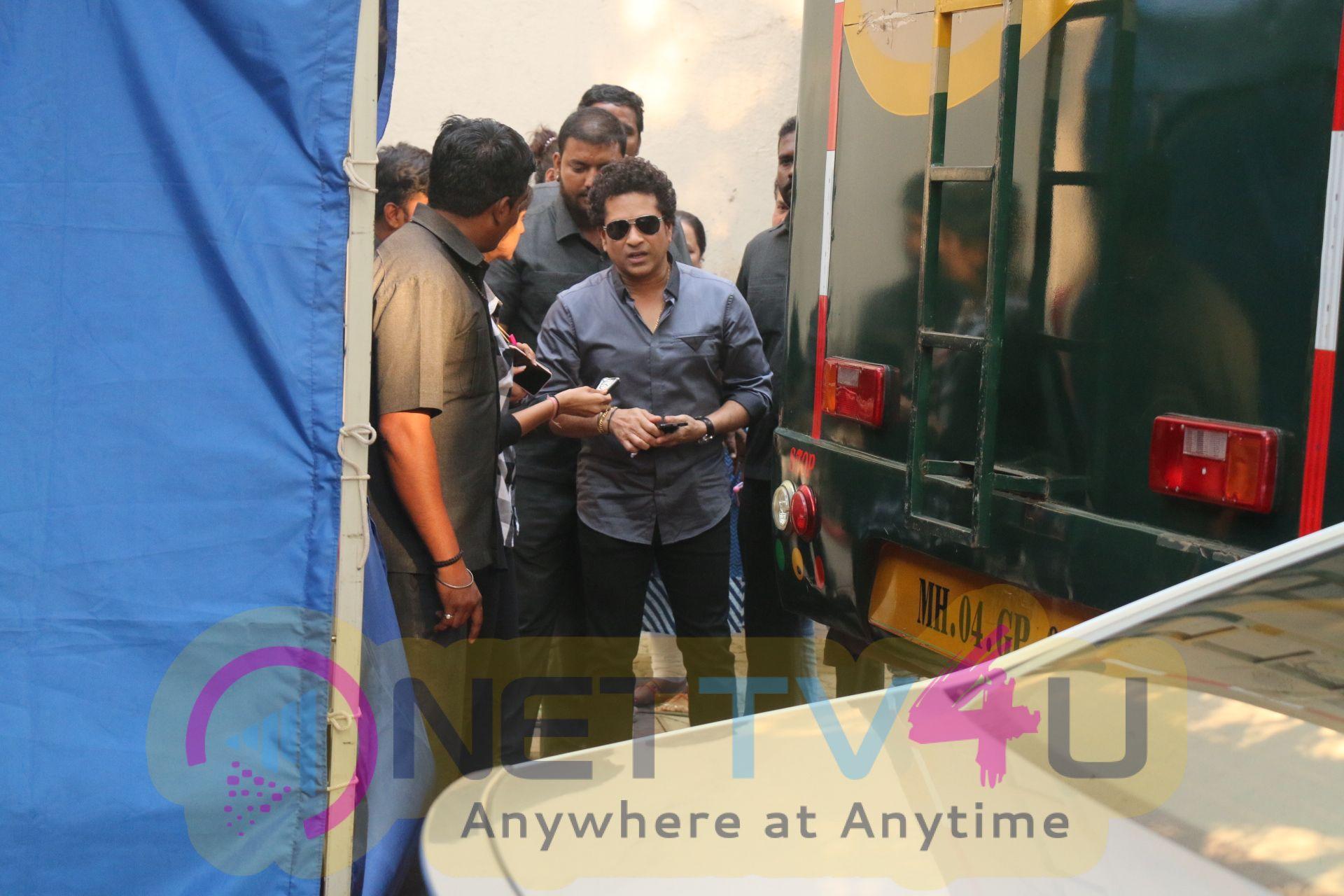 Sachin Tendulkar Snapped At Mehboob Studio Pics Hindi Gallery