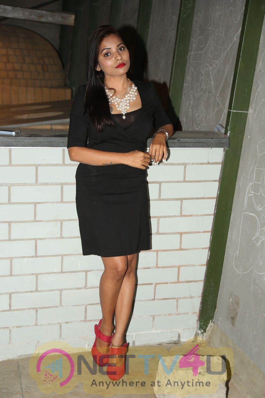Actress Madhuri Chiguru Attractive Pics  Telugu Gallery