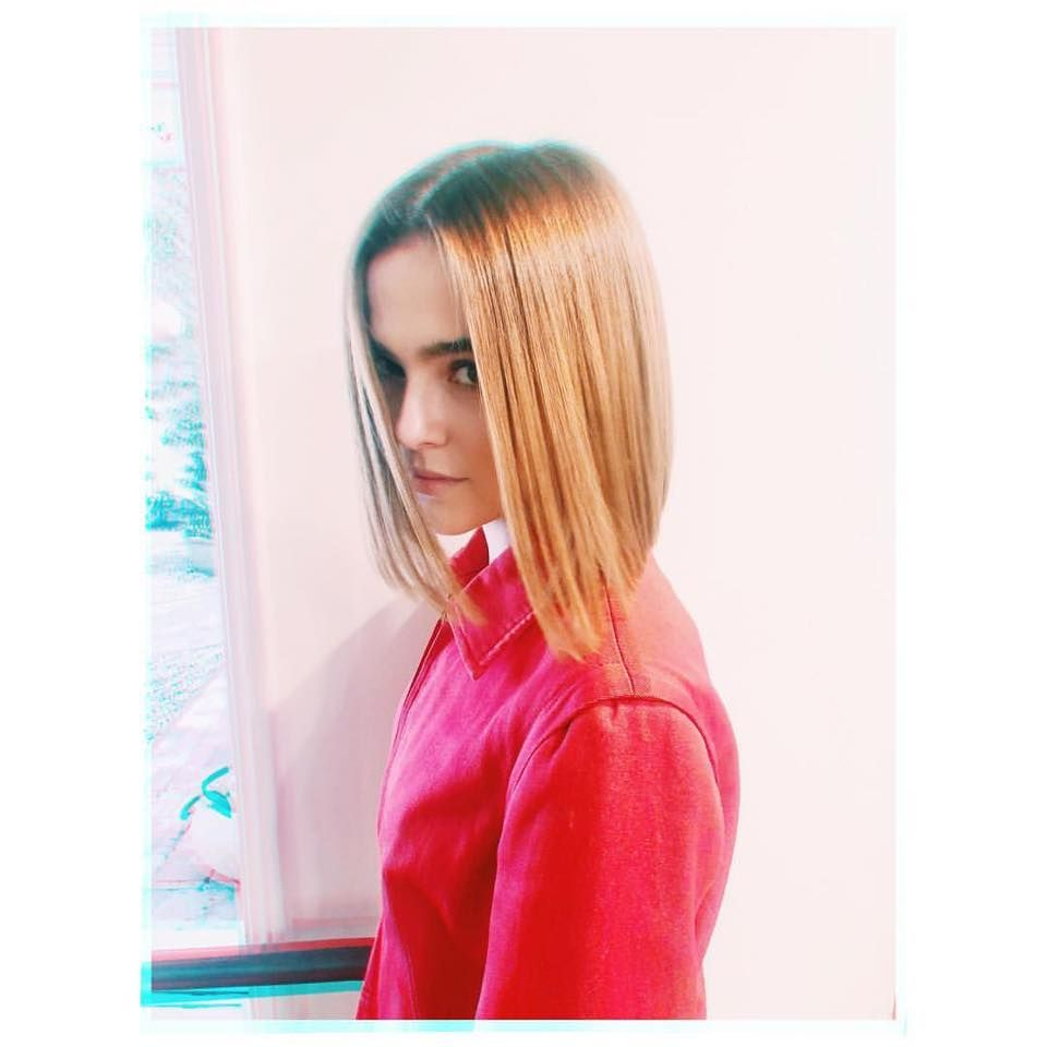 Actress Zoey Deutch Lovely Images English Gallery