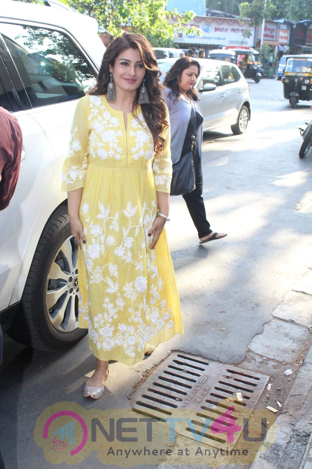 Raveena Tandon Inaugurates Mehjabeen Khan And Shera Khan Pics Hindi Gallery
