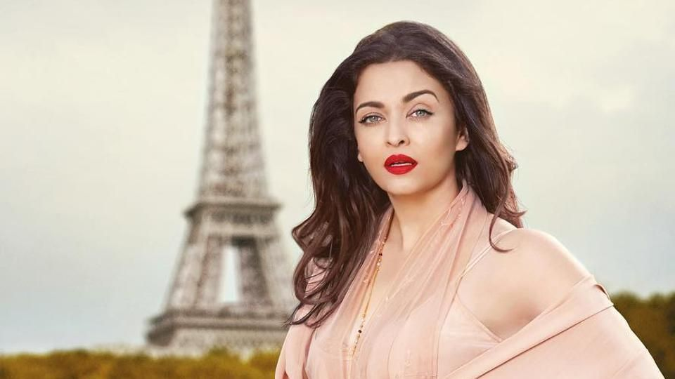 Aishwarya Rai Cute Pictures Hindi Gallery