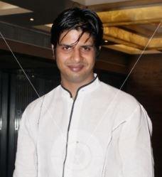 Piyush Raina Hindi Actor