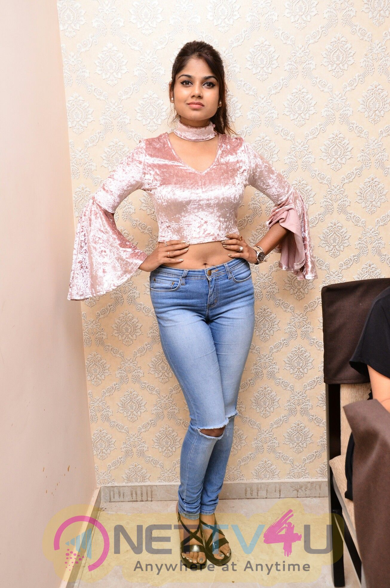 Actress Aanya Kapse Lovely Photos Telugu Gallery