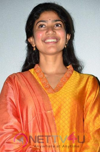 Actress Sai Pallavi Attractive Pics Malayalam Gallery