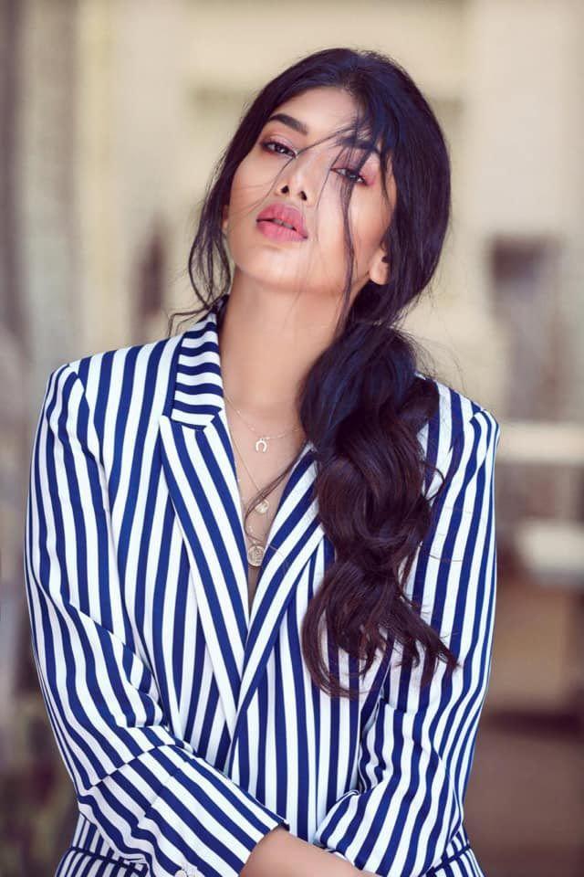 Actress Dushara Charming Stills Tamil Gallery