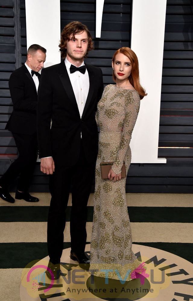 Emma Roberts And Evan Peters Oscar Party Photos  English Gallery