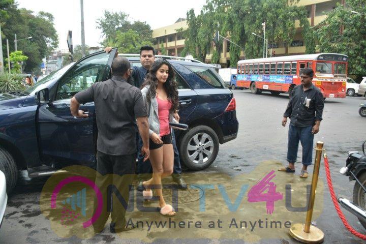 Janhvi, Khushi, Shanaya Kapoor & Mohit Marwa Came To Bastian Restaurant Hindi Gallery