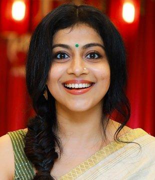 Shruti Ramachandran Malayalam Actress