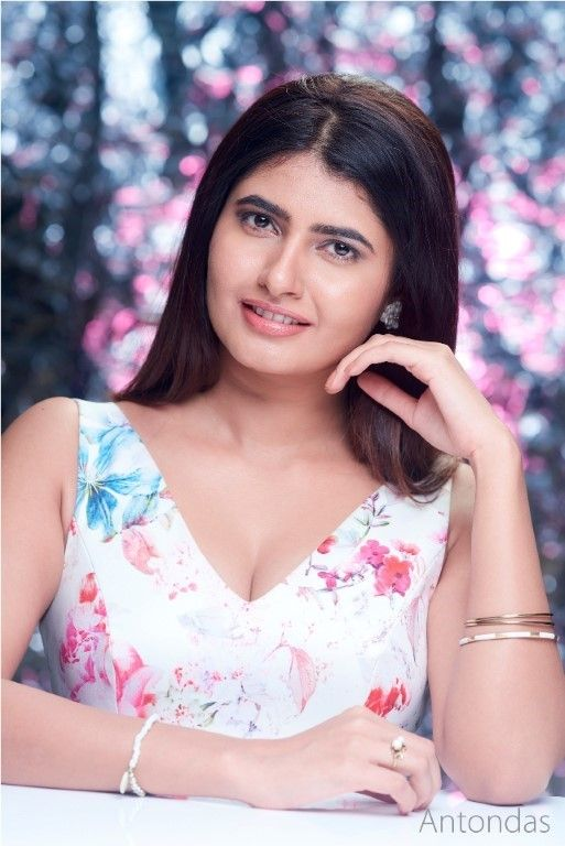 Actress Ashima Narwal Lovely Pics  Telugu Gallery