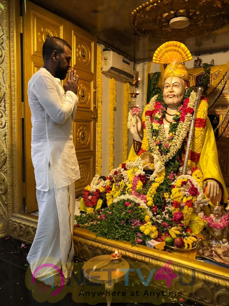 Raghava Lawrence Observing Shri Raghavendra Swamy - Jeeva Samadhi Day Tamil Gallery