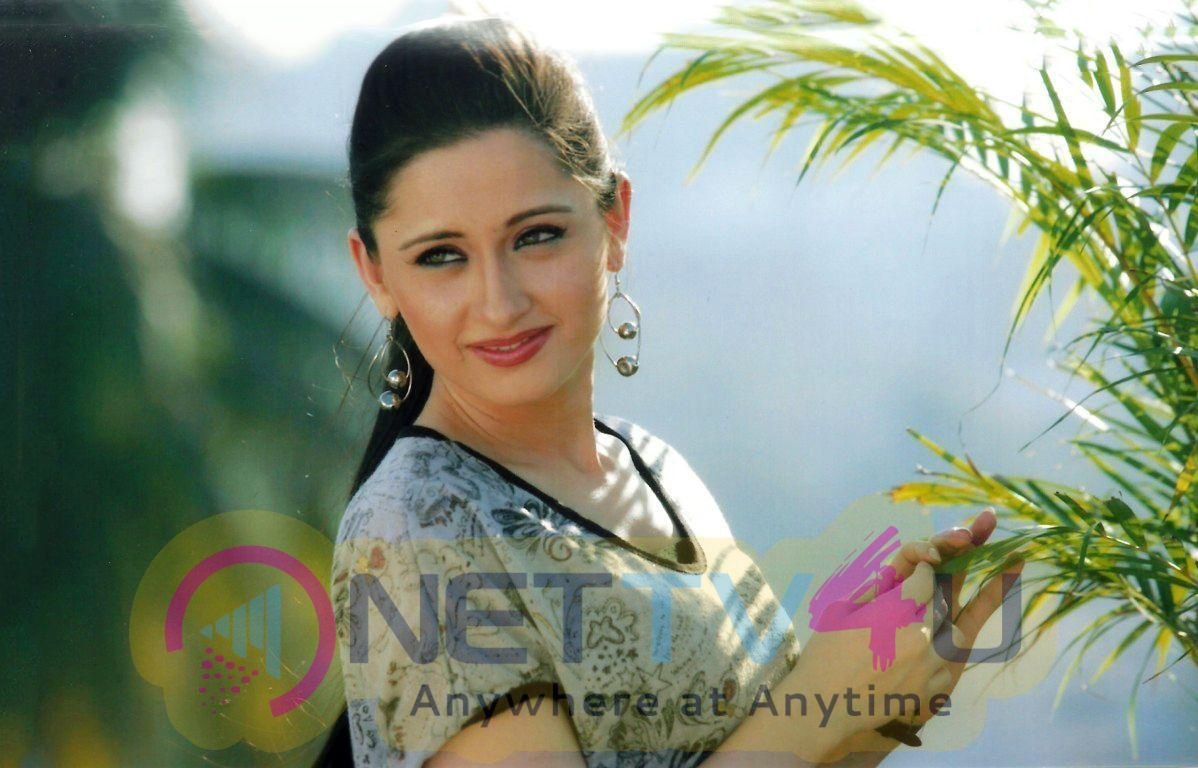 Actress Sanjeeda Sheikh Cute Photos Hindi Gallery